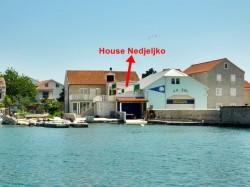 Apartments NEDJELJKO Betina